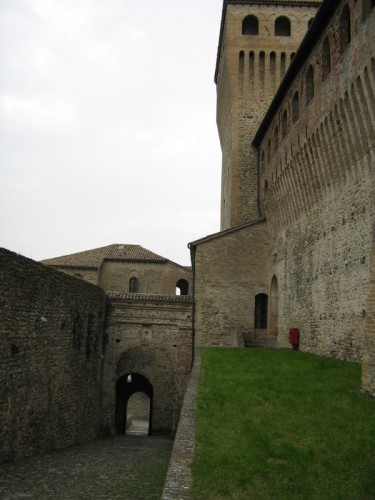 Langhirano - Interni di Torrechiara
