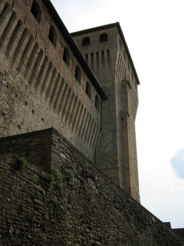 Langhirano - Mura e torri