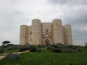 L'imponenza di Castel del Monte
