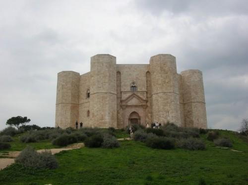 Andria - L'imponenza di Castel del Monte