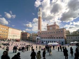 panoramica della piazza del Campo