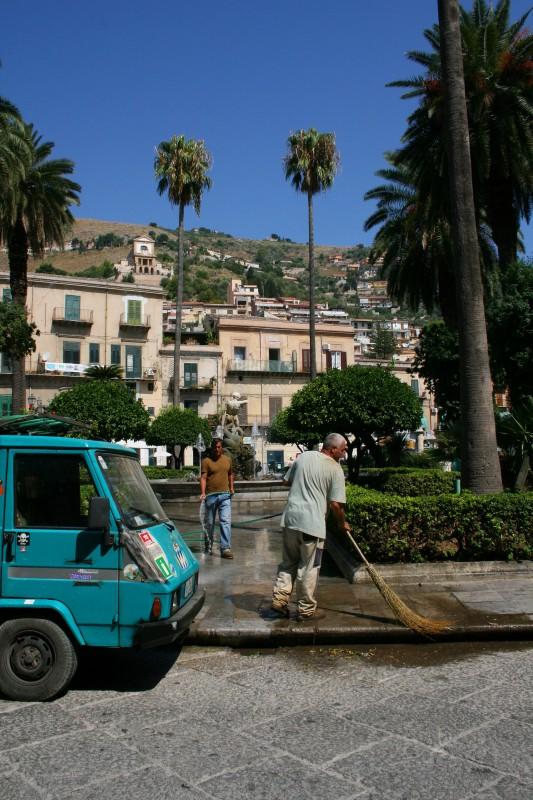 ''Pulizie a Monreale, sullo sfondo la chiesa della Madonna delle Croci'' - Monreale