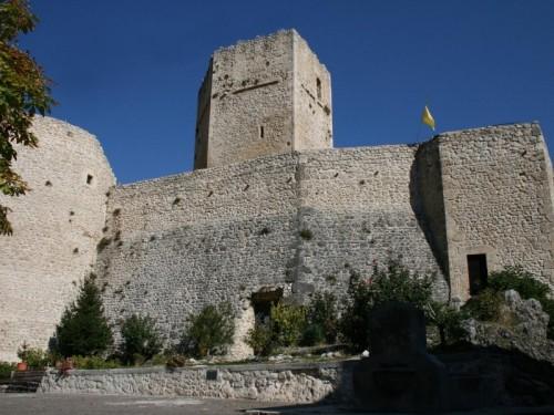 Pettorano sul Gizio - Il castello Cantelmo