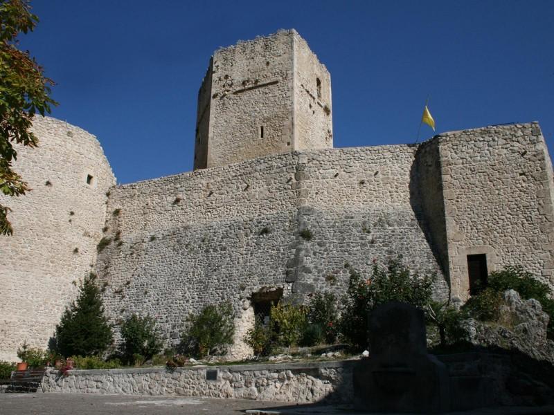 ''Il castello Cantelmo'' - Pettorano sul Gizio