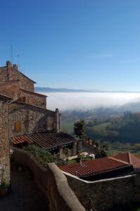 La nebbia sotto Anghiari