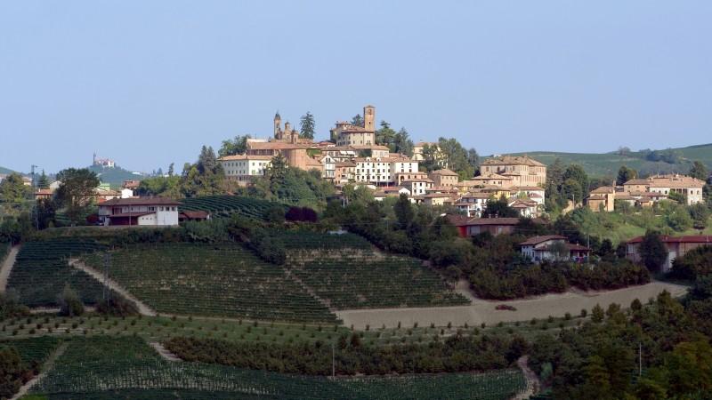 ''Terra di grandi vini'' - Neive
