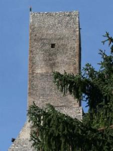 Il mastio del castello di Introdacqua