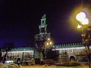 castel Sforzesco di notte