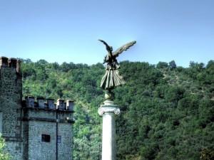 L'angelo e il castello