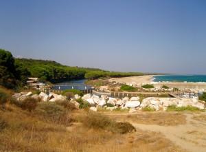 Spiaggia di Osalla accostata dal Rio omonimo