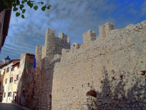 Sermoneta - Mura medievali interne