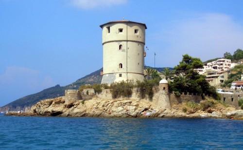 Isola del Giglio - TORRE SUL MARE