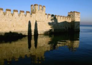 Le mura del castello di Sirmione