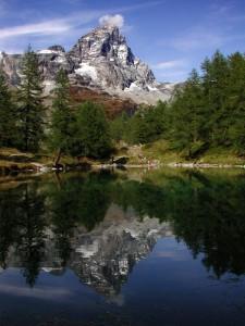 Il Cervino e il lago bleu