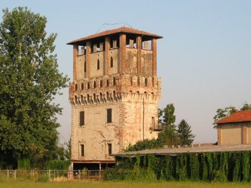 Torlino Vimercati - La torre di AZZANO
