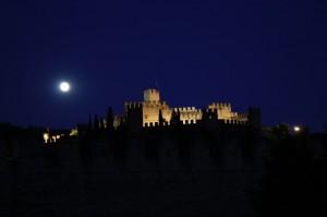 la luna e il suo Castello