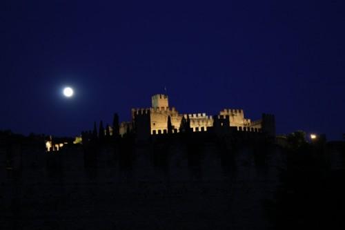 Soave - la luna e il suo Castello