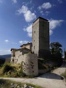 Valtopina, Castello di Poggio