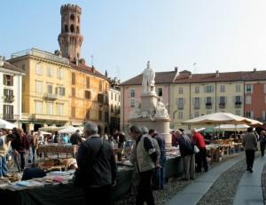 il mercato di piazza Cavour