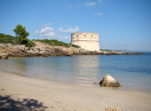 Alghero - Torre del Lazzareto con spiaggia adiacente