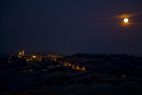 Orciano di Pesaro - orciano by night