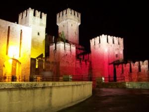 Giochi di luci sul castello di Sirmione