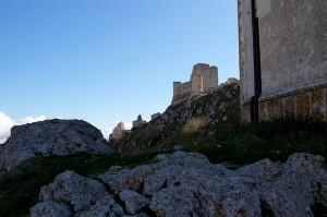 La rocca vista da dietro la chiesa