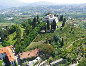Stunning Le Terrazze Di Montevecchia Contemporary - House Design ...