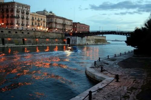 Taranto - Ondeggiando verso mar grande