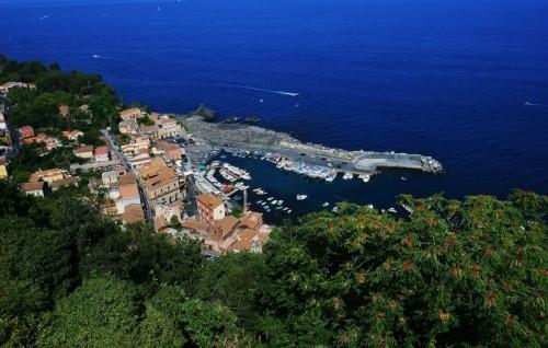 Acireale - il porto di Santa Maria la scala