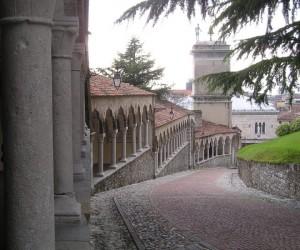 Discesa dal castello