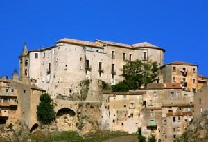 il castello Guiscardo di Caggiano