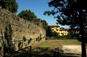 Le mura di Lastra