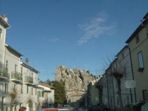 Mi presento : sono Pizzoferrato, la guardia del'borgo.