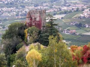 i colori dell'autunno sul castello