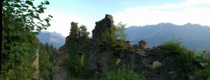 Panoramica sulle rovine di Castel Alto Valsugana