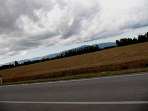 ..che salita per arrivare lassù in cima (on the road)