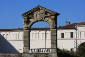 castello Vialli . il portale