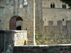 Muri merli e bifore del Castello dei conti Guidi a Poppi