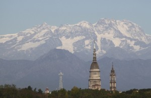 La cupola Antonelliana e il Monte Rosa, Novara Piemonte ottobre 2009