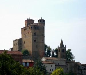 Serralunga d'Alba, un Castello … longilineo!