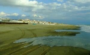 Tor san Lorenzo, traffico in spiaggia