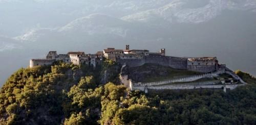 Besenello - Vista su Castel Beseno