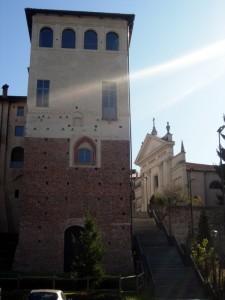 Il castello e la chiesa di S.Abbondio
