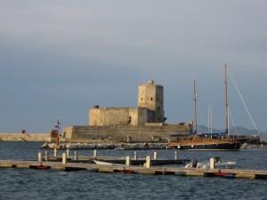 Veduta castello dal mare.
