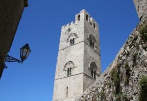 Ex-torre vedetta costruita da Federico D'Aragona…nel 1312