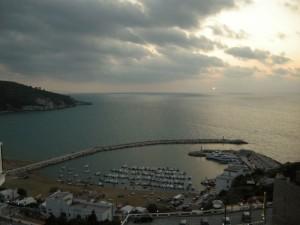 il porto di Peschici al tramonto