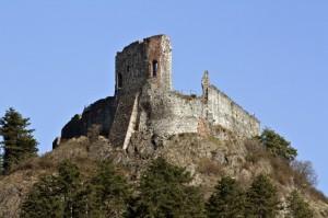 Il castello sul monte Pezzulano
