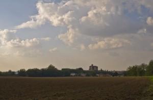 L'imponente chiesa di Castelvisconti