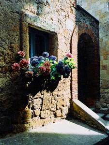 dentro il borgo medioevale di civita